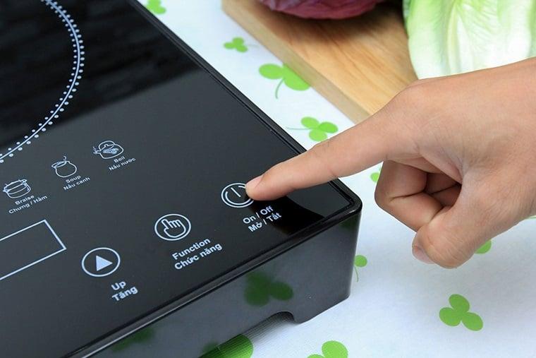 Các icon trên bếp giúp người sử dụng dễ dàng thao tác