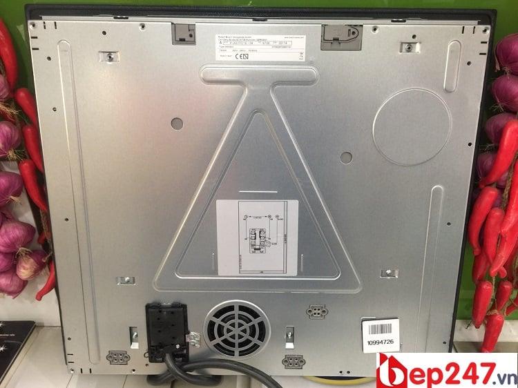 Bếp Từ Bosch PIJ651FC1E có phần bụng bếp làm bằng thép không gỉ