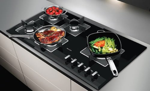 Bếp ga lại thích hợp nấu ăn đa dạng và cần đạt chuẩn về độ ngon