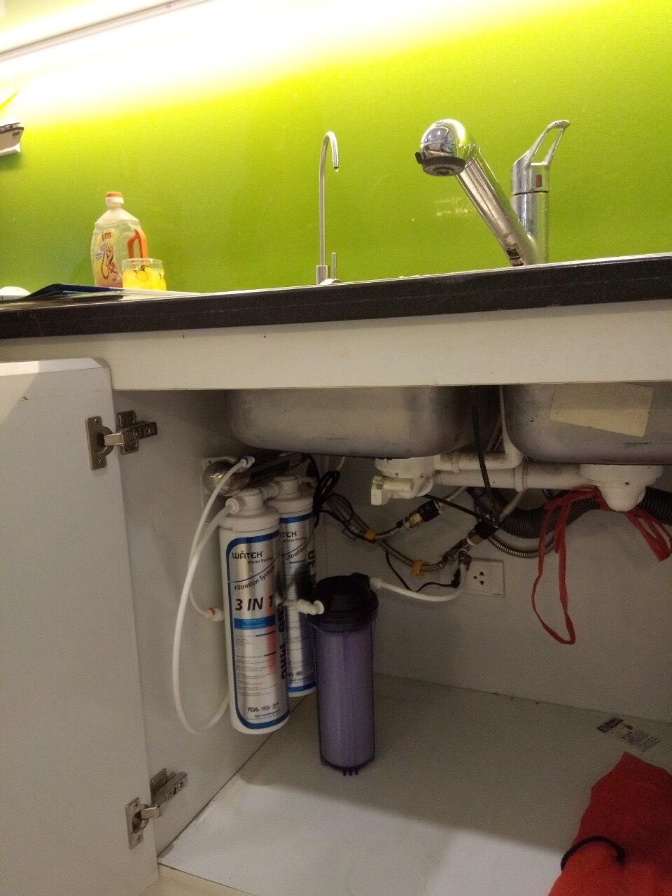 Thiết kế nhỏ gọn dưới chậu rửa, không chiếm diện tích